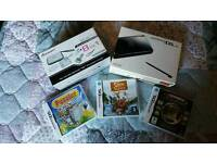 Nintendo ds lite - Accessories pack, charger and 3 games included! In very good condition.