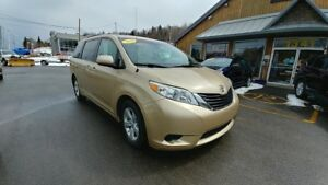 2012 Toyota Sienna LE/CONDITION IMPECCABLE/JAMAIS ACCIDENTÉE/TRÈ