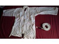 Martial arts suit. White. Size 160