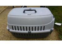 Dog/cat travelling box