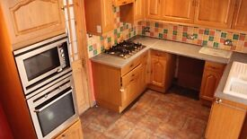 2 Bedrooms House, 1 Reception Room, Private Off-Road Parking, Lovely Garden, 10 Min Walk To Station