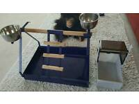 Parrot/parokeet playstand and bath