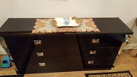Black gloss 6 drawer tv stand