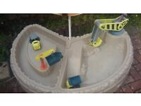 Little tikes building bay excellent price and condition