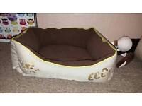 Scuffs eco dog bed small