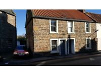 Popular holiday cottage for sale close to Anstruther's main beach and harbourfront