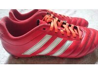 Studs Football Boots Size 7 EXCELLENT CONDITION LIKE NEW