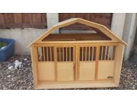 breyer horse stable in excellent condition