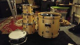 Pearl Vision Drum kit + snare drum