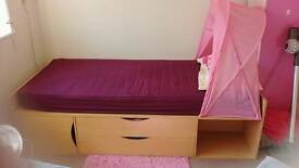 Child's cabin bed without mattress