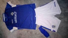 Eastleigh fc kit