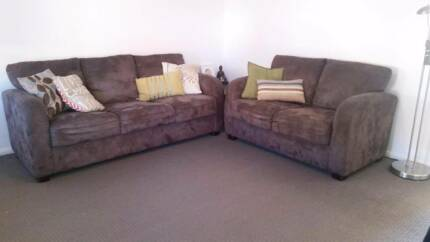 3+2 seater fabric lounge Kingswood 2747 Penrith Area Preview