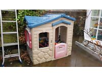 Great play house for tottlers. Easy to dismantle for transport.