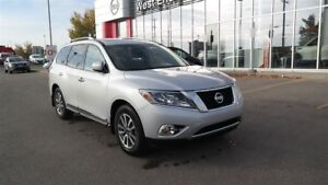 2013 Nissan Pathfinder 4WD, Heated Mirrors, Air Conditioning, Se