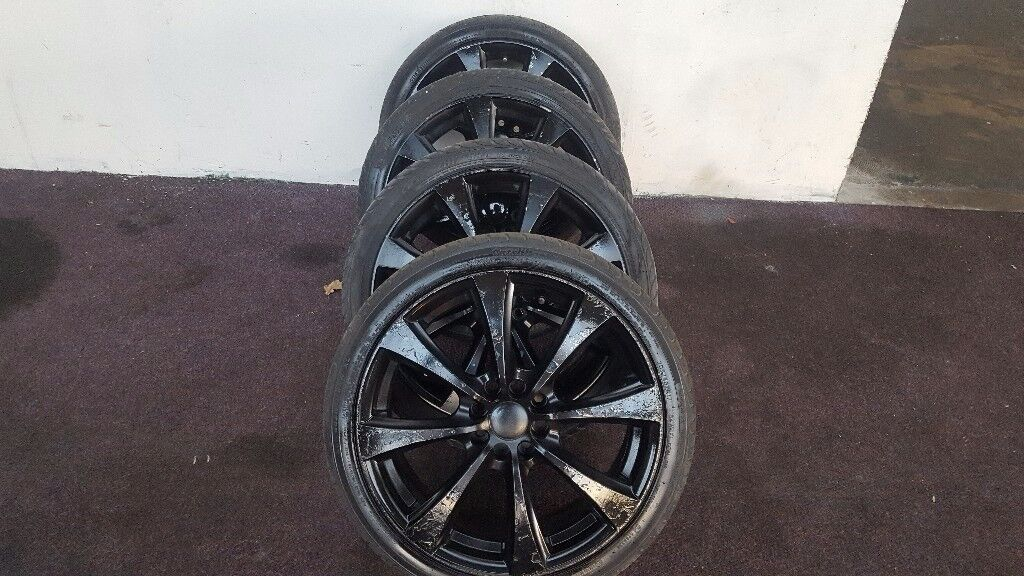 4 good tyre with nice alloy wheels.they will fit Vauxhall peugeot and renault