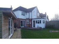 3 bedroom house in Northgate Road, Crawley, RH10 (3 bed)