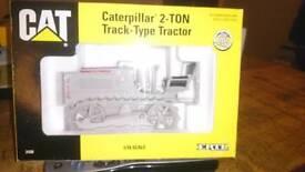 Die cast caterpillar 2ton track type tractor