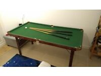 Foldable pool / snooker table with accessories