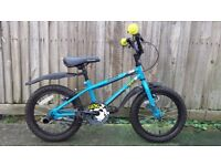 Halfords Apollo kids bike in good condition, for 5 - 8 years