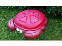 LITTLE TIKES STEP2 CRABBIE SANDBOX RED PLASTIC GARDEN CRAB SANDPIT USED RRP £99