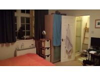 2 Double Rooms (one en-suite) available 1st Oct in desirable location