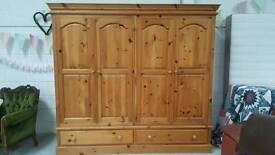 Massive solid pine 4 door wardrobe & draws can deliver 07808222995