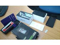 Iphone 4 - 32GB Unlocked Superb condition box + extras