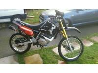 200cc off road crosser dirt bike