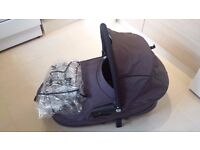 Quinny Buzz Carrycot with raincover