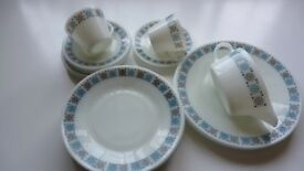 Large new collection of vintage Pyrex Chelsea design