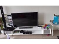 """47"""" LG 1080p SmartTV with fancy stand"""