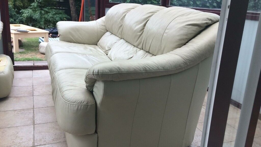 Cream Leather Sofa 3 Seater Good Condition Needs A Clean With Cleaner