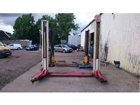 Stertil Koni 2 post car lift, 2.5 tonne