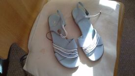K clarkes leather sandals