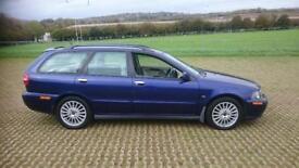 VOLVO V40 1.8 Sport Lux 5dr [122bhp] (blue) 2003