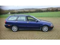 VOLVO V40 1.8 Sport Lux 5dr [122bhp] (blue) 2003