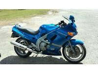 Kawasaki zzr600 12 months mot