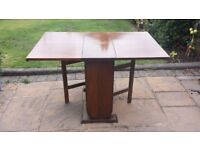 Gate Leg Table in Excellent Condition
