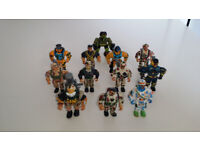 12 x Toy Soldiers / Figures