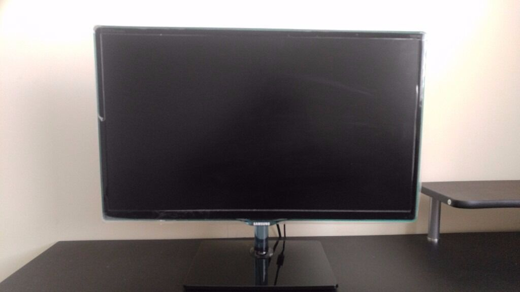 Samsung 24 Inch TV Monitor