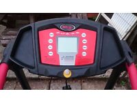 WNQ F1-2000K Motorised Treadmill