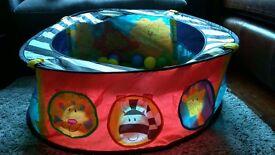 Baby sensory ball pit