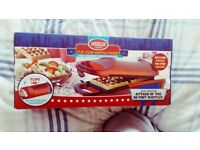 SELLING AMERICAN ORIGINALS FLIP-OVER WAFFLE MAKER 700 W RED