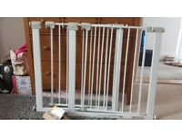 1 x stair gate pressure fit