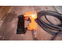 Air nail gun with free 15 metres of airline