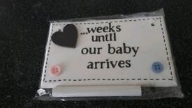 Baby arrival count down plaque