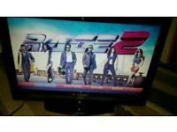 Techwood 22 inch screen hd lcd fee view and dvd TV £ 40