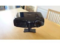 OPTOMA HDM1 FULL 3D 1080P TV PROJECTOR WITH ELECTRIC SCREEN AND ALL CABLES REMOTE.FITTINGS .
