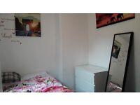 2 weeks bedroom sublet in Golders Green north west London 150 P/week 18TH Oct - 2th Nov short term