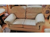 leather sofa and 2x armchairs